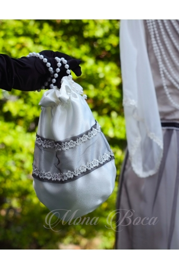 Ivory black handmade Edwardian bag with pearls, Regency drawstring bag, Wedding bag, Regency purse, beaded wedding purse, reticule